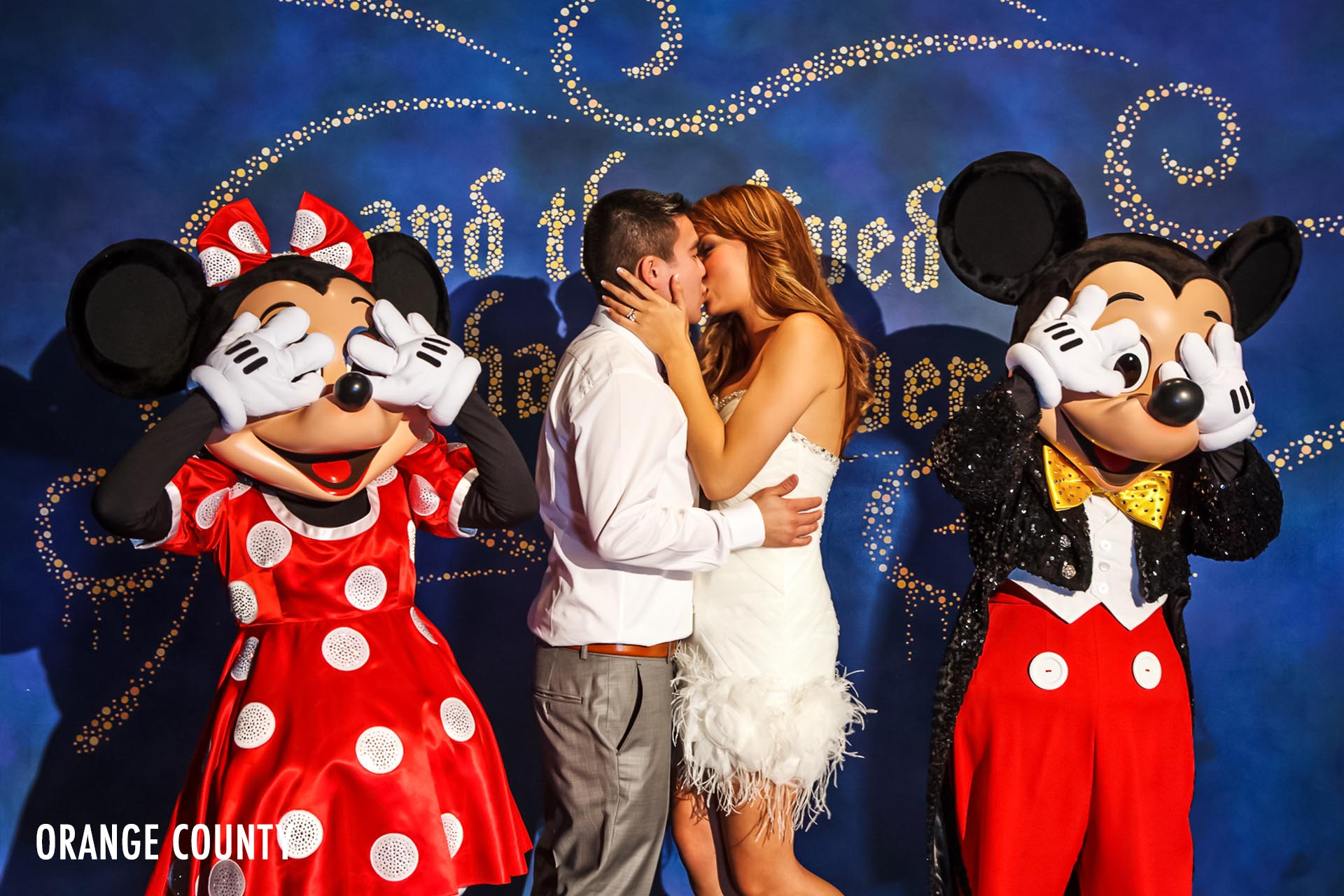disneyland-wedding-photographer-mickey-mouse