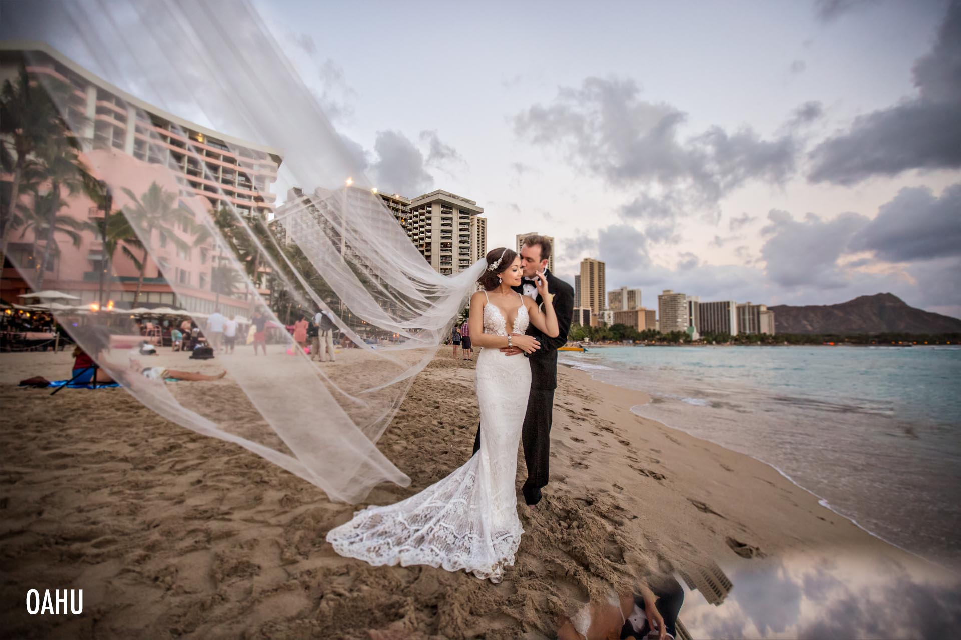 best-hawaiian-wedding-destination-photographer
